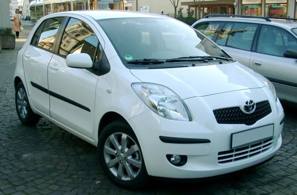 Hak wypinany + wiązka Toyota Yaris 2006-2011