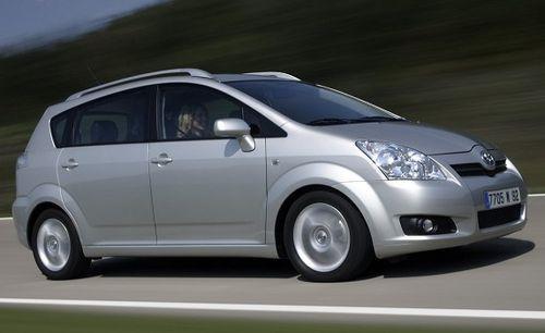 Hak + wiązka TOYOTA Corolla Verso 2004-2009